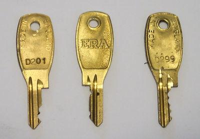 Era locks b&q